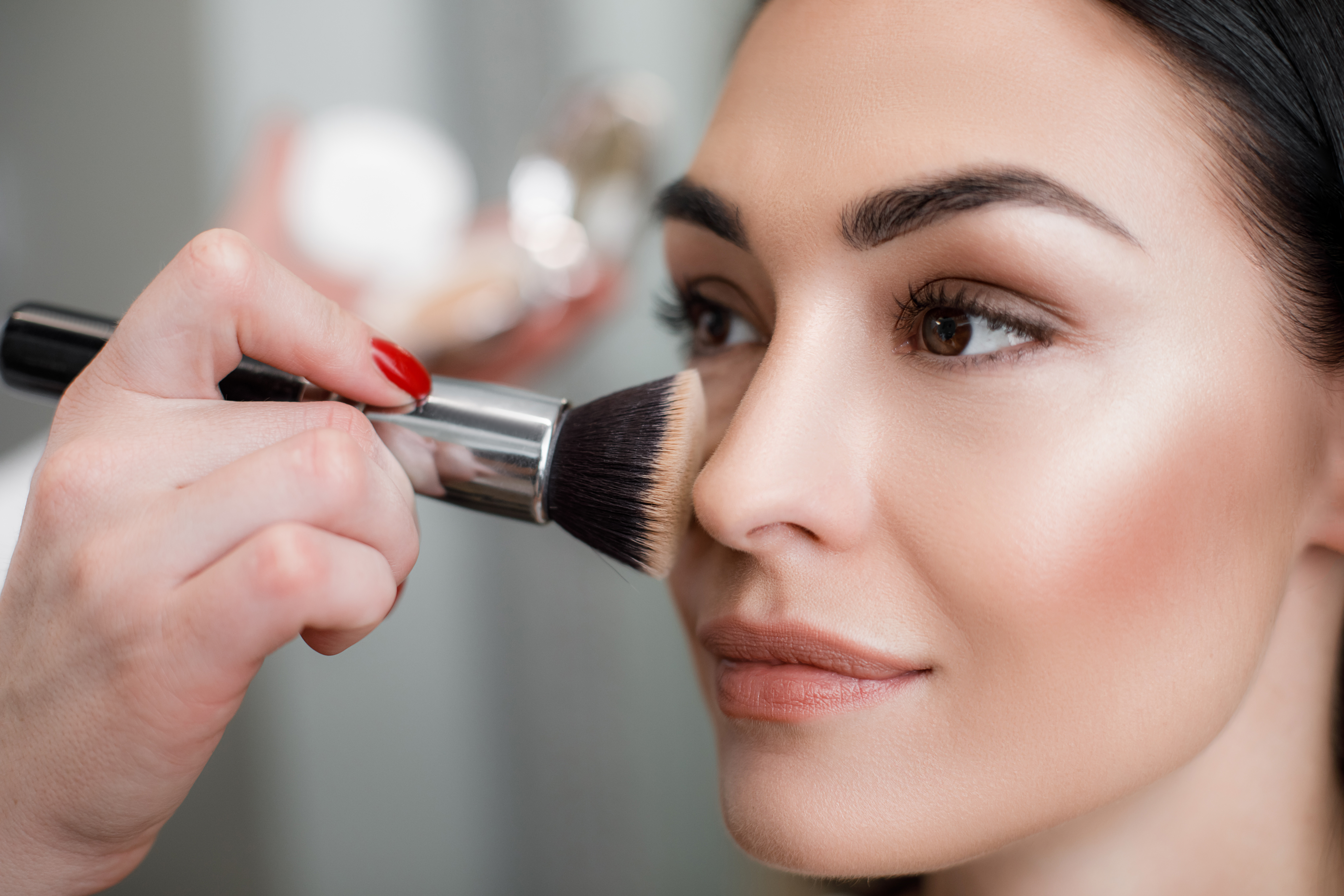 Which loose powder is right for you, and how do you apply it ?